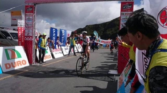 Damien Monier taking the win (Photo: Sébastien Duclos)