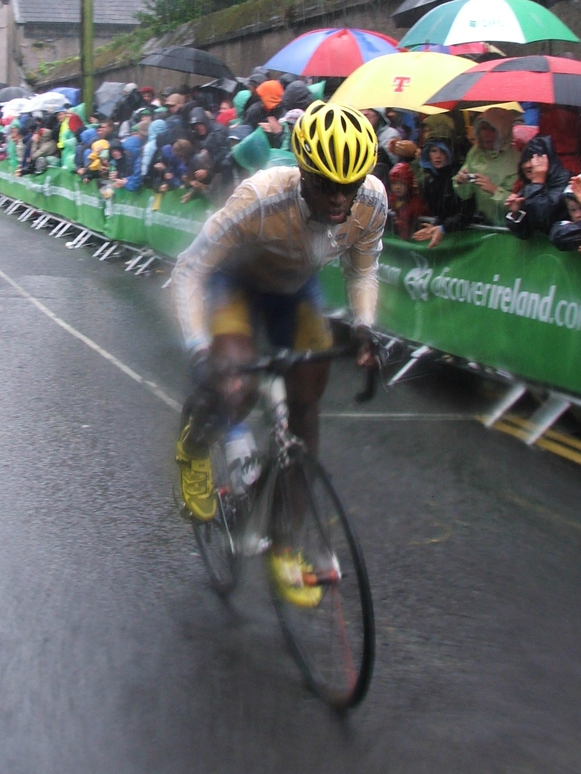Adrien Niyonshuti on St. Patrick's Hill, Cork during the 2009 Tour of Ireland (Photo: Graham Healy)