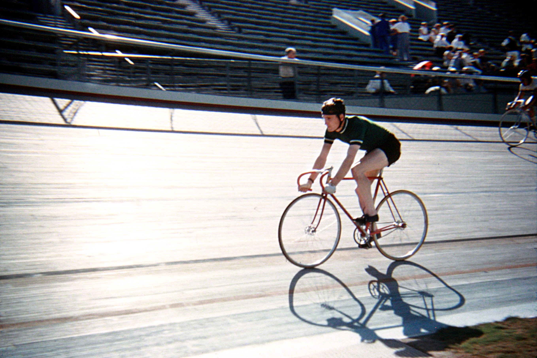 Martin McKay in a heat at the velodrome.(Photo: © Sean B. Fox)