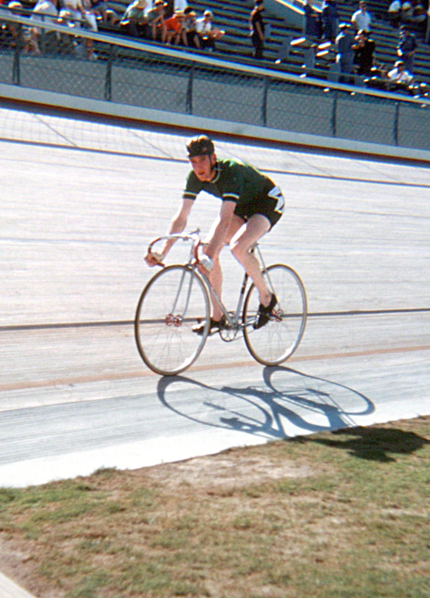 Mick Horgan warming up at the velodrome. (Photo: © Sean B. Fox)