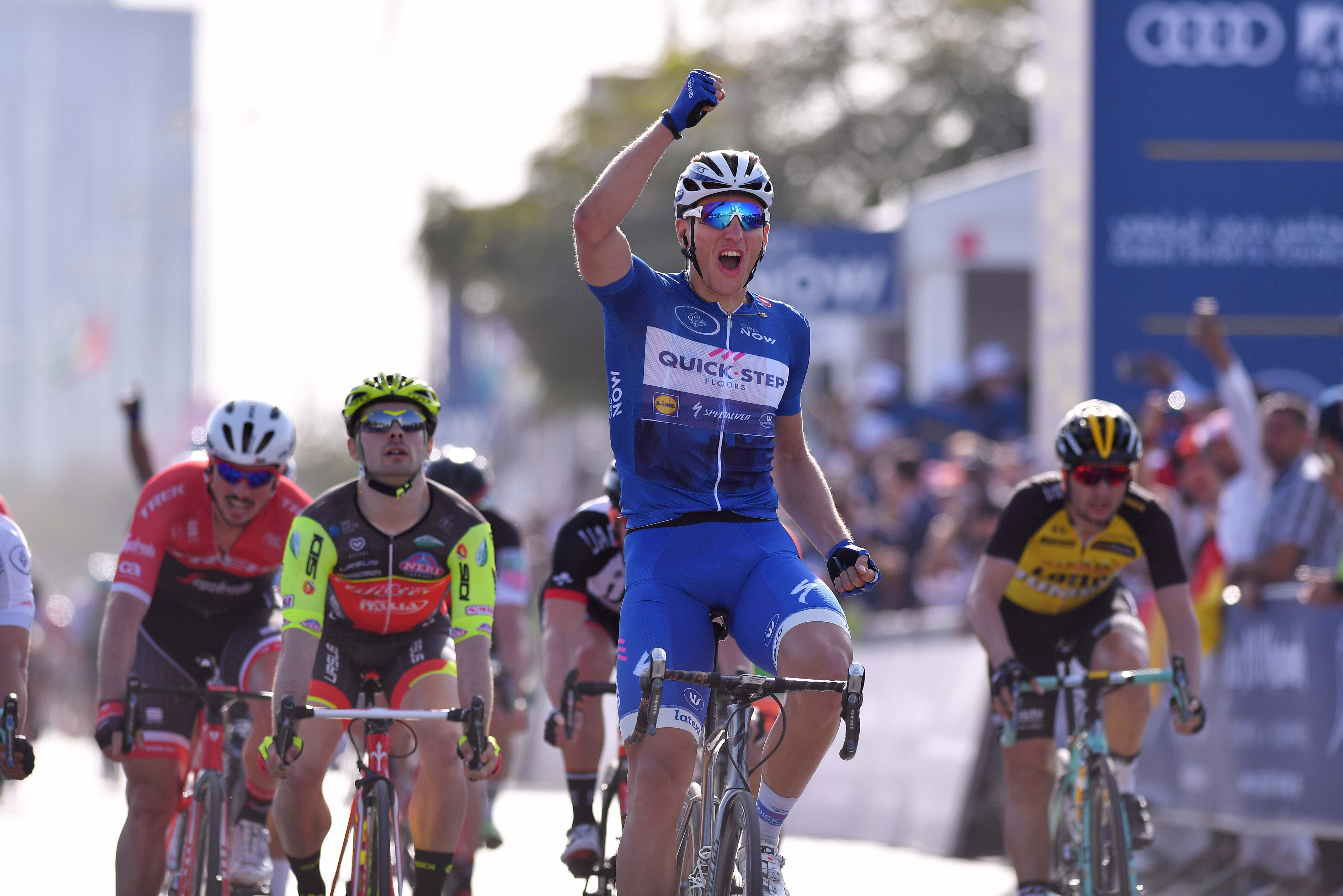 Marcel kittel wins second stage of dubai tour the bike for Quick step floors cycling team