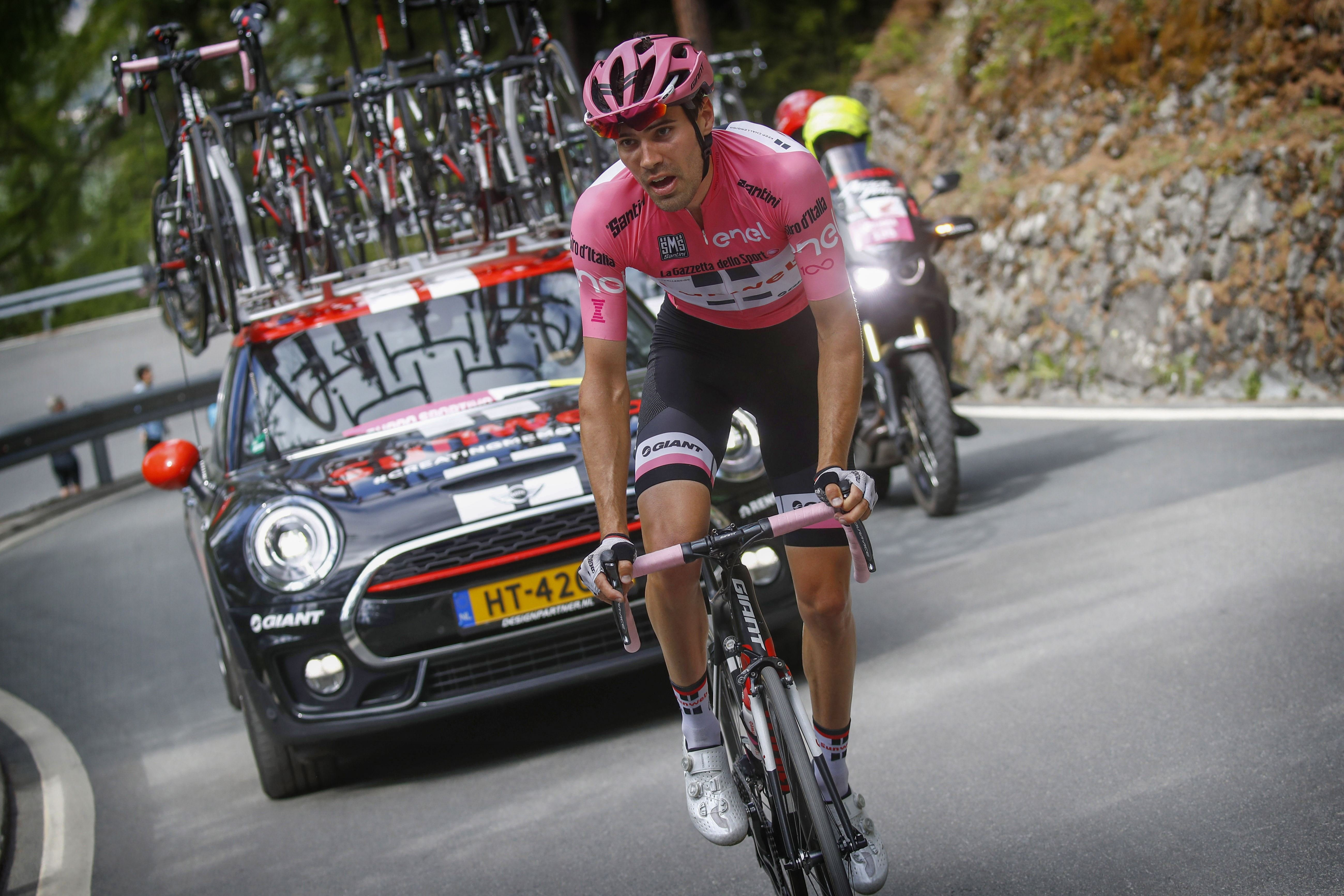 Tom Dumoulin Holds Onto Pink After Controversial Stage Of The Giro D Italia The Bike Comes First