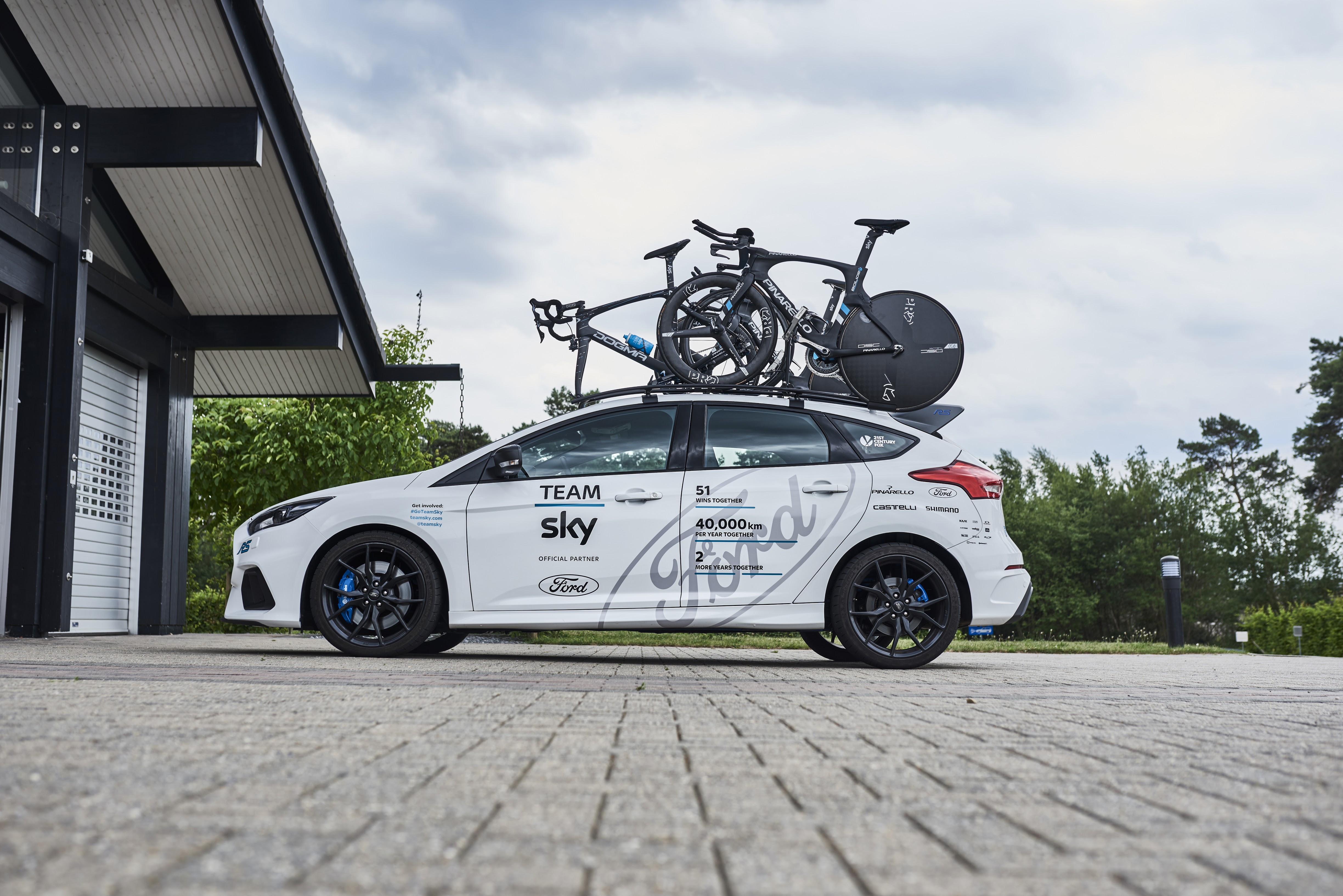 ford develop special version of focus rs for the 2017 tour de france the bike comes first. Black Bedroom Furniture Sets. Home Design Ideas