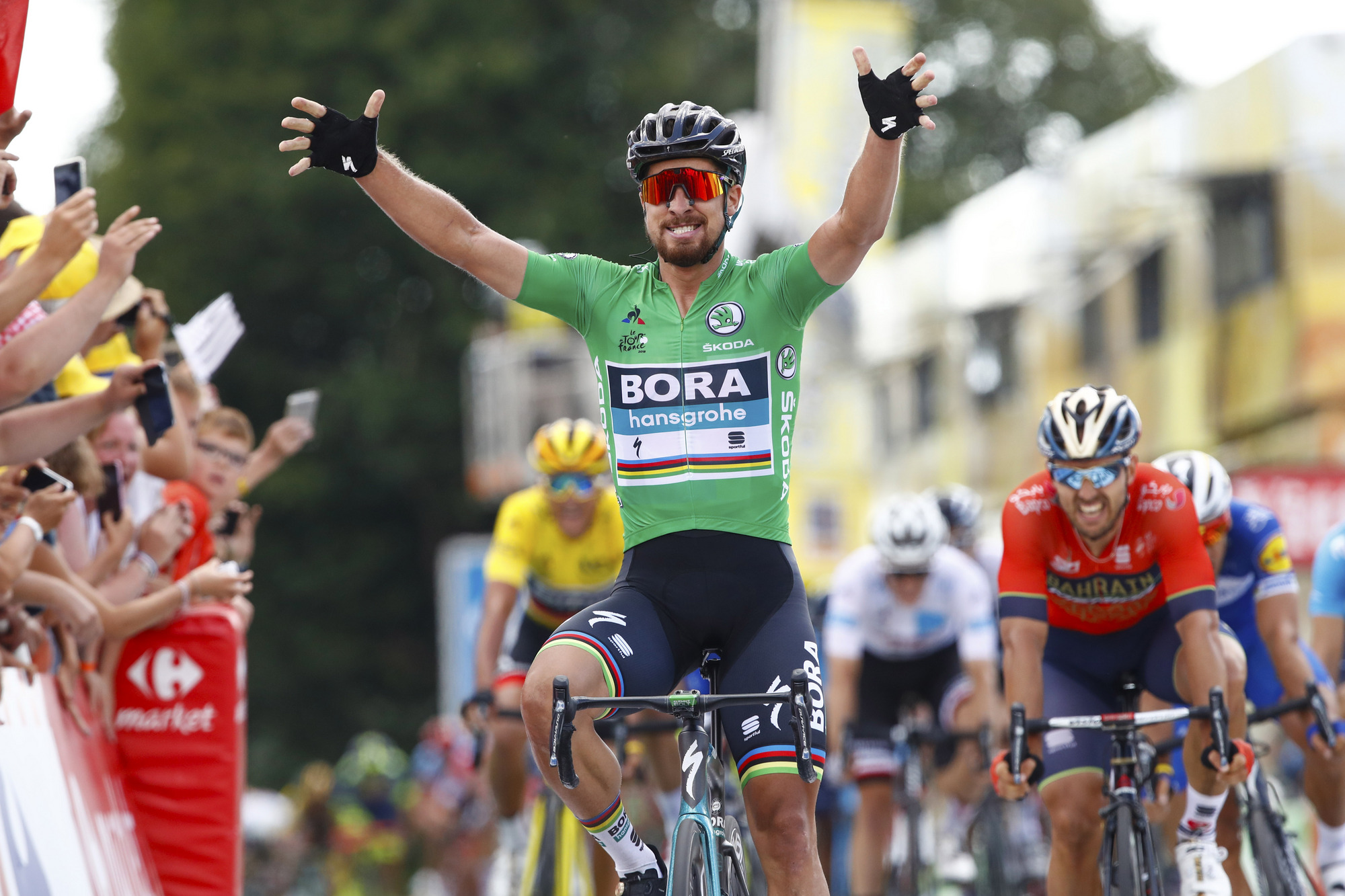 peter sagan sprints to victory on stage 5 of the tour de france the bike comes first. Black Bedroom Furniture Sets. Home Design Ideas
