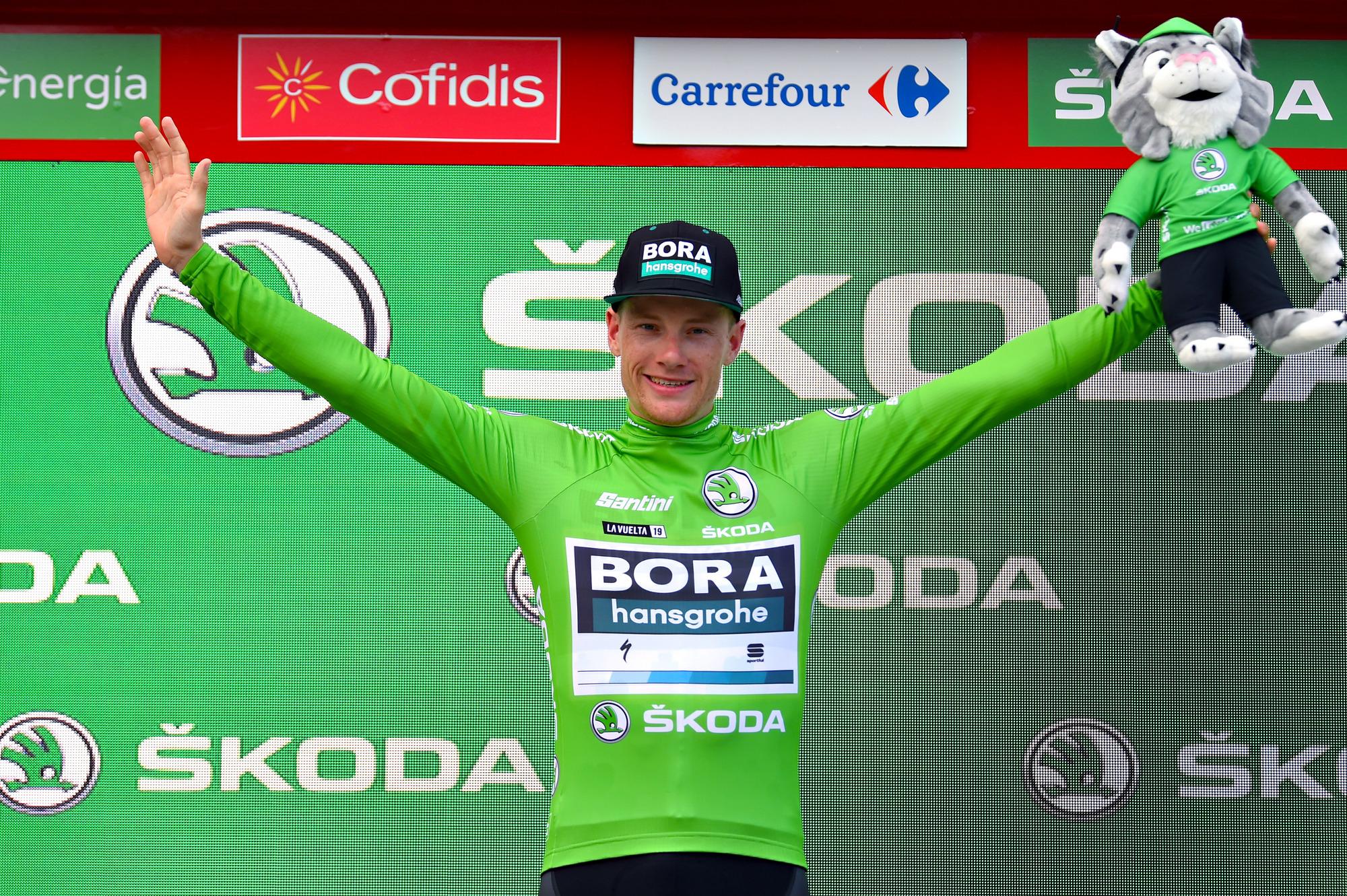 pretty nice 6df8e 8a749 Sam Bennett takes over points jersey at the Vuelta a España ...